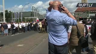 Marche de néonazis de toute l'Europe à Berlin, des contre-manifestations attendues (Direct du 19.08) thumbnail