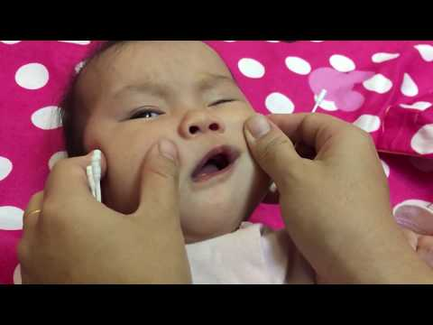 How to clean baby nose
