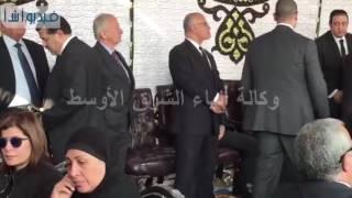 بالفيديو : جميع طوائف المجتمع يشاركون في جنازة شهداء الكنيسة البطرسية