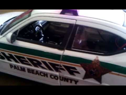 1:18 Dodge Charger Palm Beach County Sheriff  WORKING LIGHTS