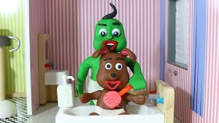 Green Baby in SPA PETS CARE - Stop Motion Cartoons For Kids #100