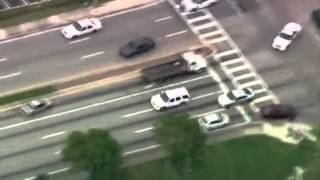 Police chase thief in Dubai.......amazing