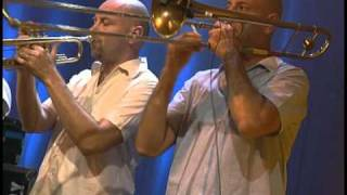 Gentleman feat. The Far East Band - Different Places [Live] (2007)