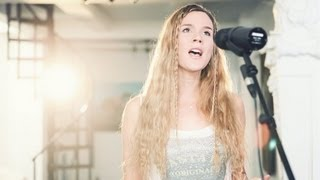 """Joss Stone - """"While You're Out Looking for Sugar"""" LIVE Studio Session"""