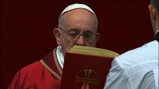 Pope presides over Good Friday prayer service