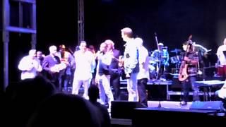 Reconocimiento a Guillermo Rigondeaux en el concierto de Willy Chirino en Hialeah Park Casino.