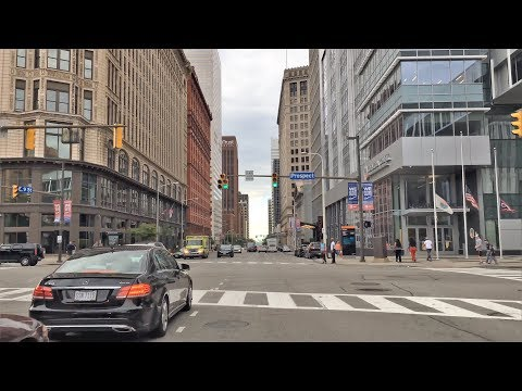 Driving Downtown - Cleveland City Center 4K - USA