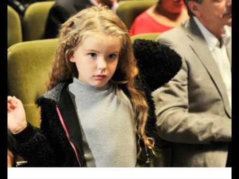 Актер Александр Абдулов показал свою дочь, вы ахнете от её красоты