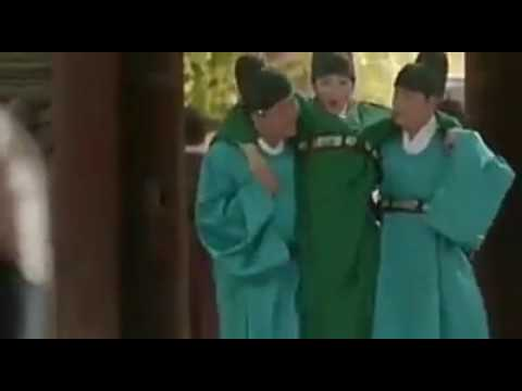 LOVE IN THE MOONLIGHT - The protective boyfriend