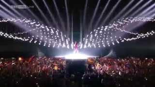Conchita Wurst – Eurovision 2015 Opening (tube Exit & Flight) Building Bridges