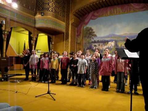 Emmi sings with Rio Grande School choir