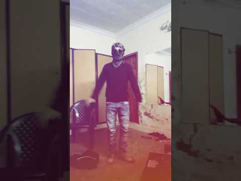 Amazing dance by a Pakistani guy on Maafi Khoaf Min Kafeel Song    Enjoy!!!