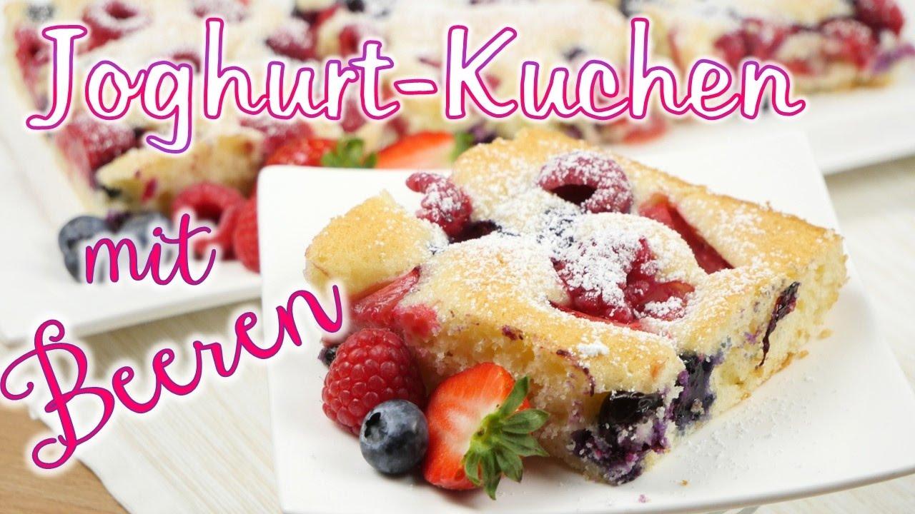 Joghurt Kuchen Mit Frischen Beeren I Blechkuchen I Sommerkuchen