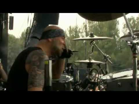 black-flowers-for-mikey-doling's-birthday-on-july-3,-2010-at-werchter-by-channel-zero