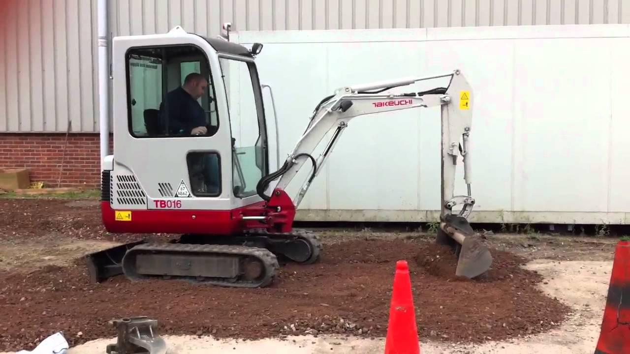 Takeuchi TB016 mini digger excavator grading scalpings minibagger  minigraver pelle