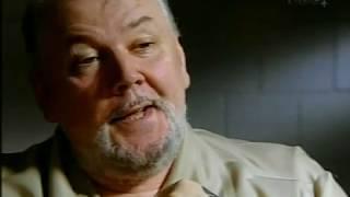 Dokument przedstawia rozmowę psychiatry, Parka Dietza, ze skazanym zabójcą, Richardem Kuklinskim. Dokument jest zapisem spotkania Richarda ...