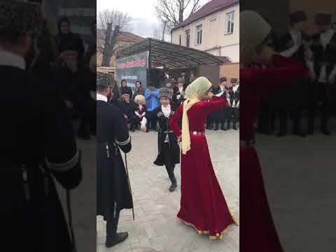 Джабраилов Адам танцует 2