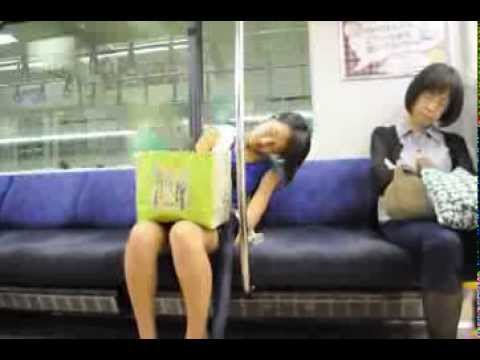 подняться ютуб видео приставание в японском метро юркнула