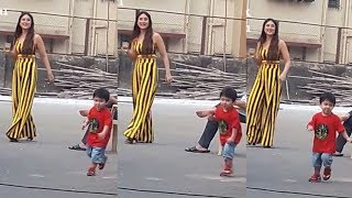 Taimur Ali Khan's cutest Video While Playing With Mom Kareena Kapoor