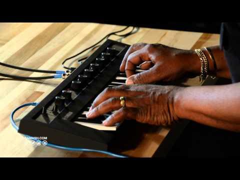 Yamaha Reface CP Mini-Key Keyboard - Sam Ash Spotlight