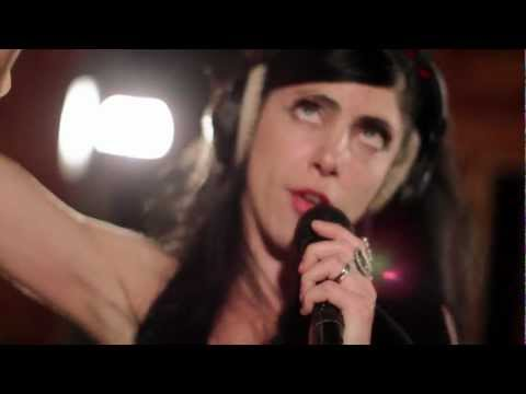 In Session: Labretta Suede and The Motel 6 - Do The Savis
