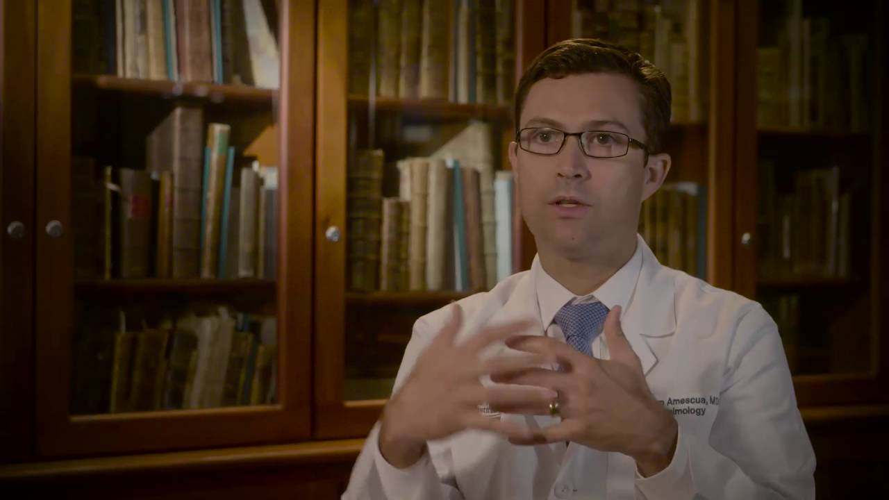 Guillermo Amescua, M.D. discusses corneal infections - YouTube