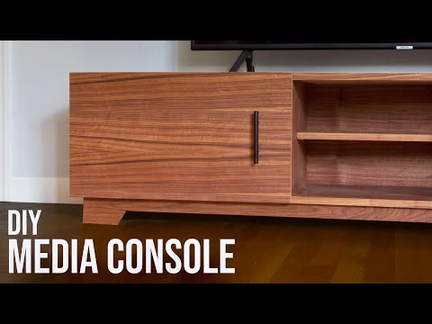 Mid-Century Modern TV Stand // DIY Woodworking