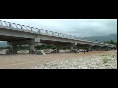 Phase finale de la construction du pont Pérédo Jacmel