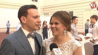 Молодым ульяновским врачам подарили свадьбу и квартиру