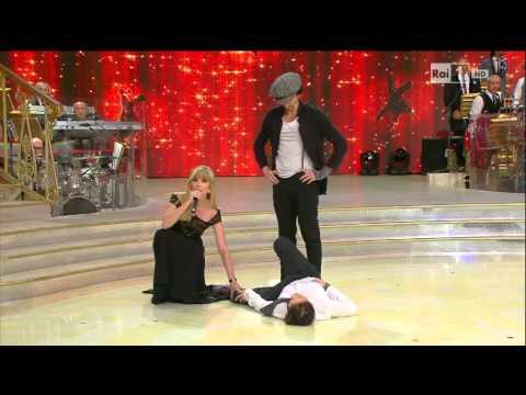 Ballando con le Stelle - L'esibizione di Anna Oxa e Samuel Peron 09/11/2013