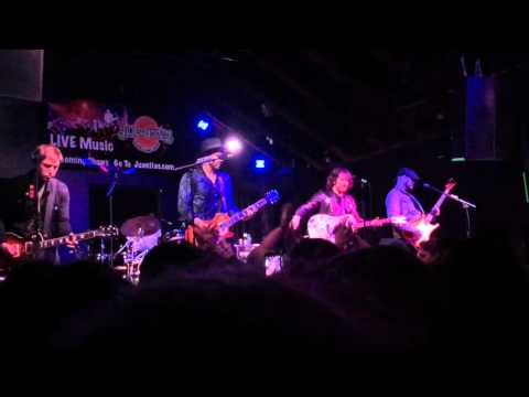 """Plain White T's performing their song """"American Nights"""" live @ Juanita's in Little Rock, Arkansas"""