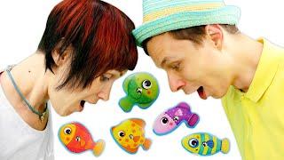 Кафе на Дереві. Йдемо на риболовлю з Машею Капуки і Федором! Ігри для дітей відео з іграшками