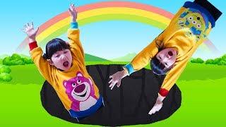 巨大の穴に落ちた 子供遊び場で鬼ごっこ Hanemari Play Tag game at kids indoor Playground