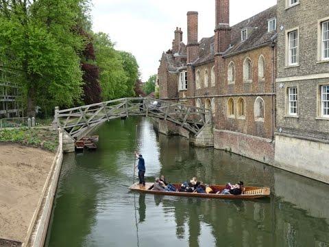 Cambridge University - Punting on the River Cam, Cambridge, UK