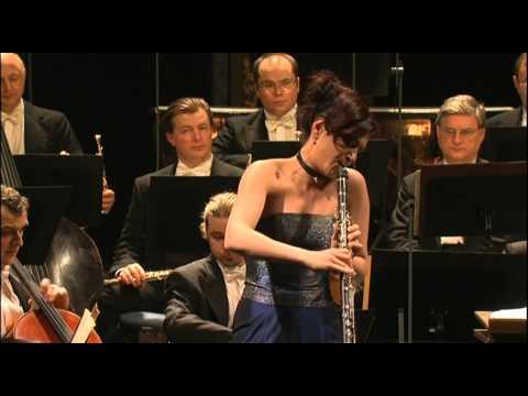 Mozart - Clarinet Concerto [Sharon Kam]
