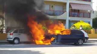 Bomberos de Benidorm. Incendio de coches.