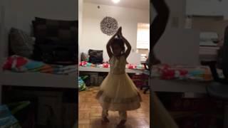 Cute three year old dancing to Yudham Yudham song in Dangal