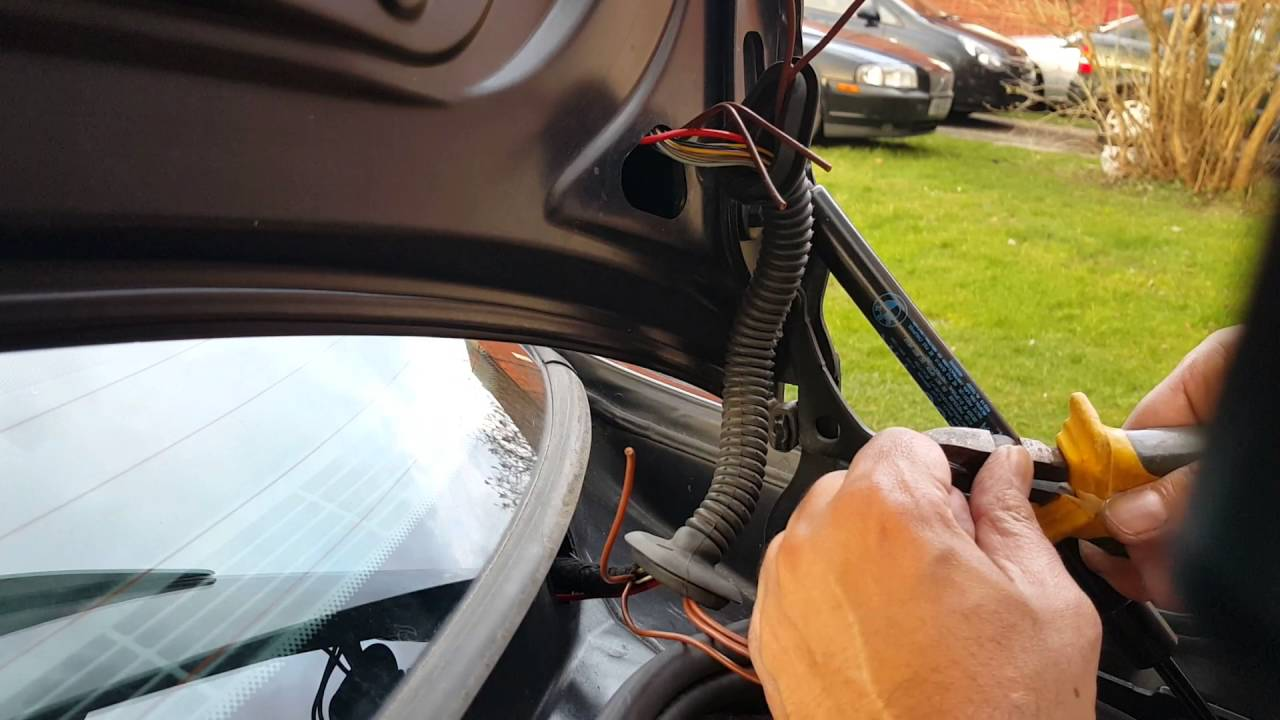 bmw e46 e39 e90 e91 e92 boot lid trunk wire harness fault and how to repair the damage wires [ 1280 x 720 Pixel ]