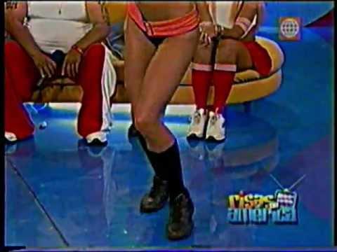 PALOMA FIUZA VS KAREN DEJO BAILANDO AXE Y CUMBIA (AÑO 2004)