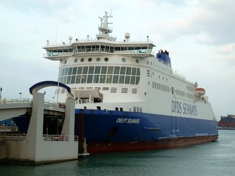 Boarding and disembarking DFDS SEAWAYS Duinkerken - Dover