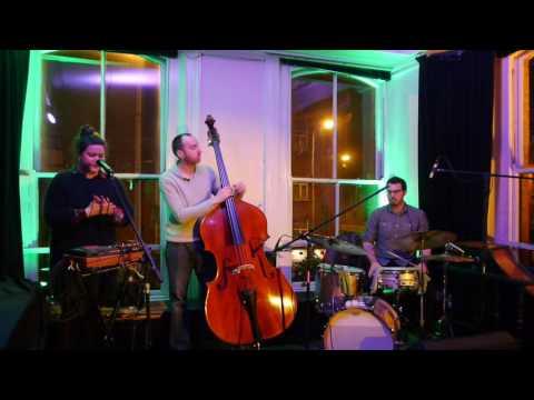 Berri-live at listen at Arthurs-Dublin