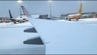 SNOWY 737-800 Takeoff after Snowstorm (Taxi, De-ice, Takeoff)