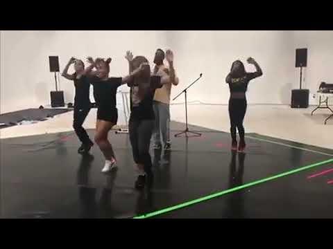 Gaby Calderon - Shakira causa sensación bailando en las redes