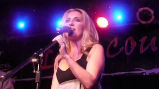 "Lee Ann Womack-Live ""Ashes By Now"""