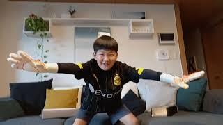 축구돌이 태_찬아가 좋아하는 골키퍼장갑 아디다스 프레데…
