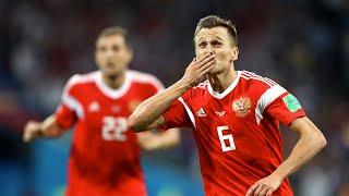 Двух футболистов сборной России изолировали из за подозрения на COVID 19