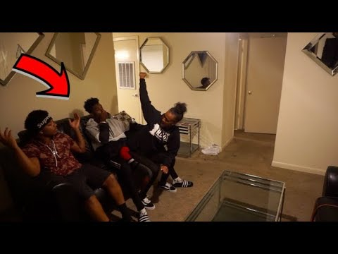 Download Youtube: GIVE ME AND MY FRIEND LAP DANCE PRANK ON GIRLFRIEND!!! **SHE GETS MAD**