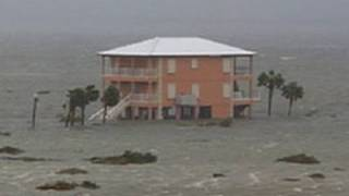 Hurricane Ivan Storm Surge Video - Pensacola Beach, Florida
