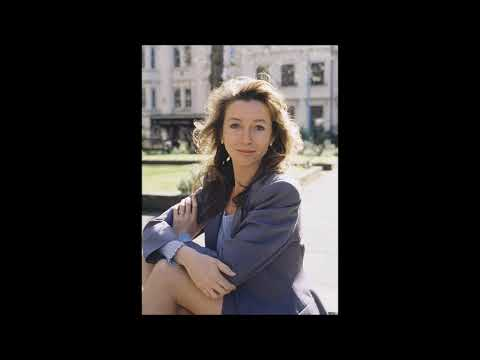 the beautiful cherie lunghi