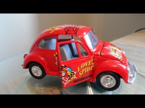 RED TOY CAR VW VOLKSWAGEN BEETLE LOVELY SPIDER DESIGN FRICTION POWERED